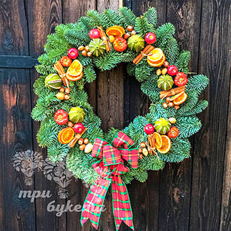 Рождественский венок с цитрусами