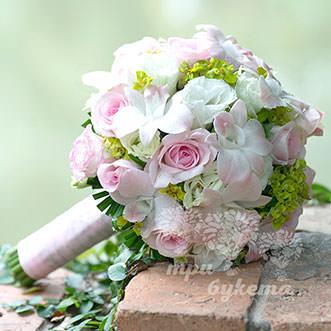 Букет невесты из орхидей и роз