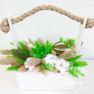 hlopok-i-zelenyj-lagurus-v-yashhike